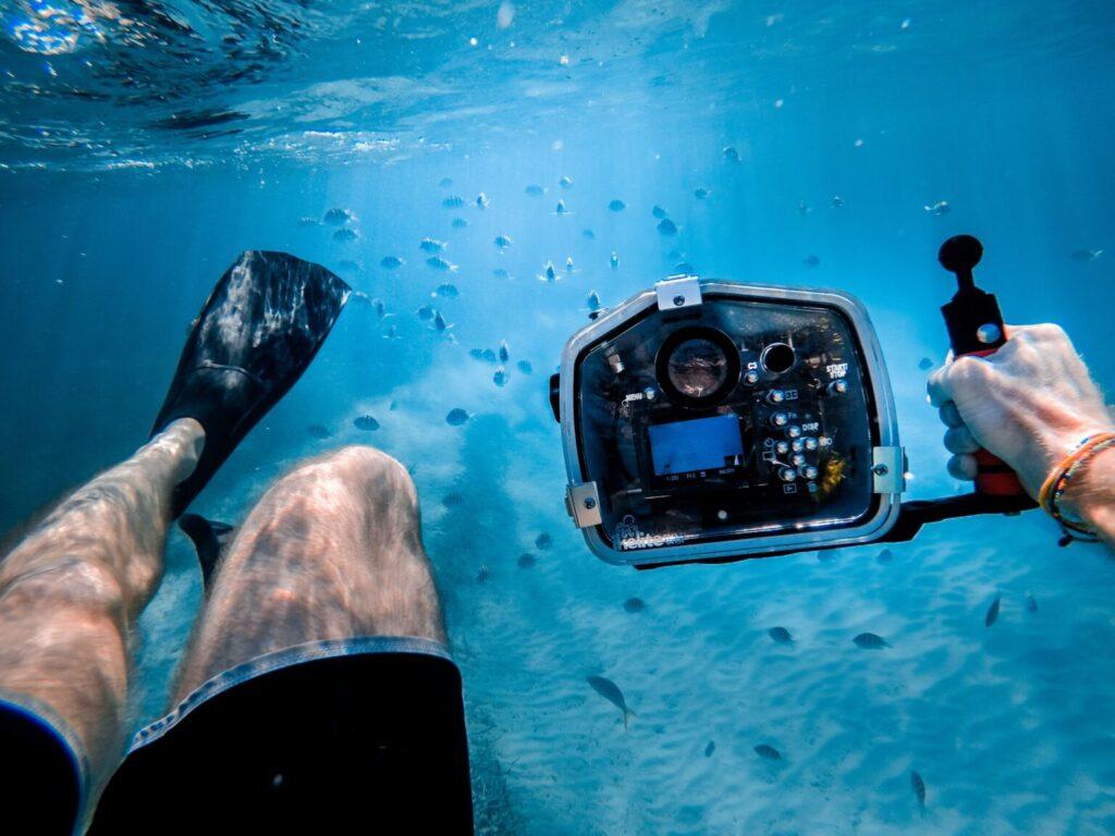 Brazo para cámara submarina